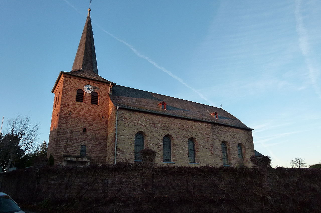 Kirche in Eicks (c) Von Altmeier - Eigenes Werk, CC BY-SA 4.0, https://commons.wikimedia.org/w/index.php?curid=45281018